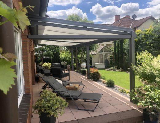 Terrassendach mit Unterglas- und Seiten-Markise