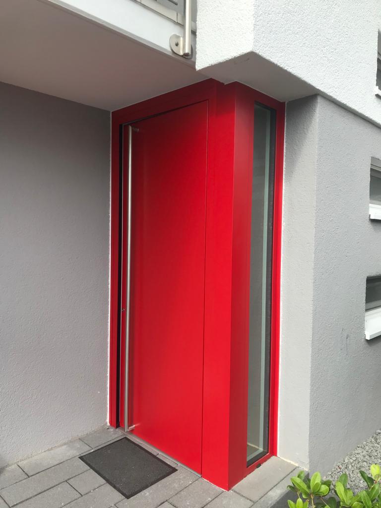 RC 2 Sicherheitstür in Rot